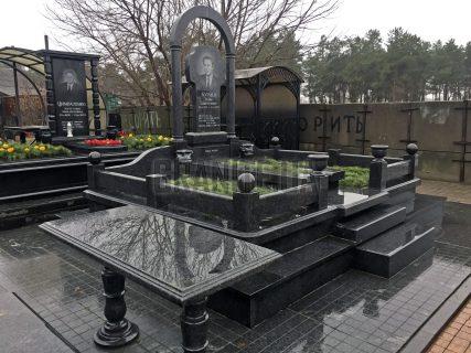 Памятники с аркой (38)