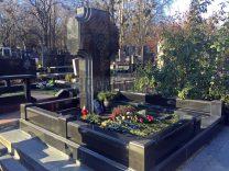 Памятники с крестом фото (17)