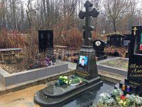 Памятники с крестом фото (21)