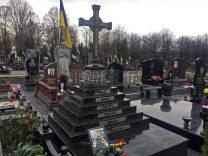 Памятники с крестом фото (23)