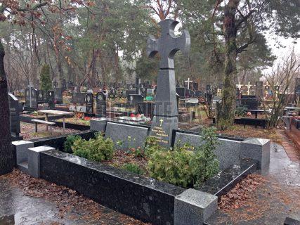 Памятники с крестом фото (31)