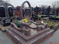 Памятники с сердцем фото (12)