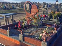 Памятники с сердцем фото (3)